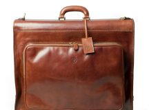 4 Very Good Looking Suit Carriers for Gents on the Go